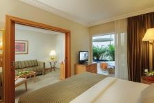 usuites-royal-garden-suite-3-crdnn